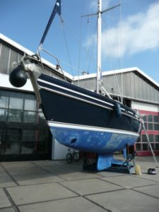 Appraisal of a sailing yacht during pre-purchase condition survey